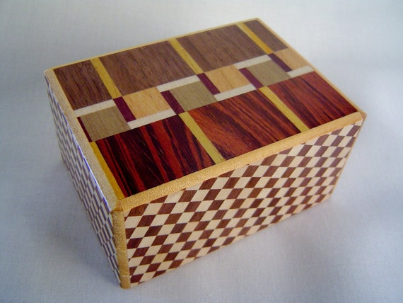 Japanese Puzzle box (Himitsu bako)- 4sun MAZE 7steps TRAP box