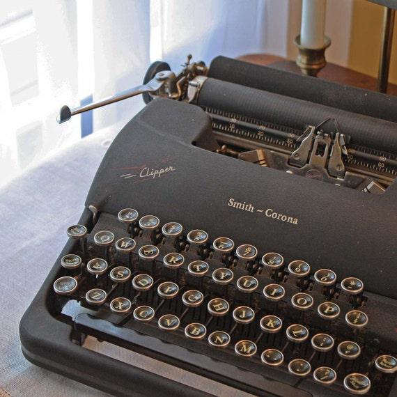 Typewriter Antique Portable Smith Corona Clipper Manual