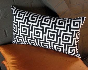 Geometric Pattern Pillow Cover