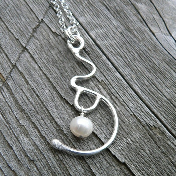 Expectation. A Pregnancy/Birth Necklace.