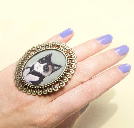 The Elegant Cat Antique Cameo Adjustable Ring