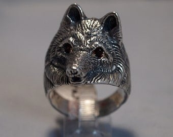 Wolf Ring with Garnet Eyes in Sterling Silver
