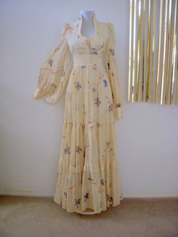 Romantic 70s Vintage Dress Ivory Floral Gunne Sax Corset Maxi  Size Small to X Small estimated