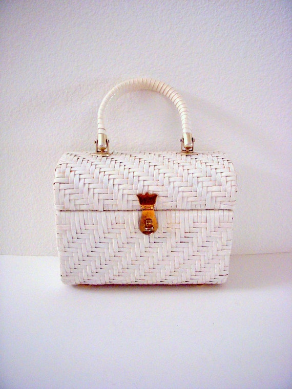 Vintage 50s 60s White Purse Rockabilly Handbag White Wicker Bag with Brass Accents