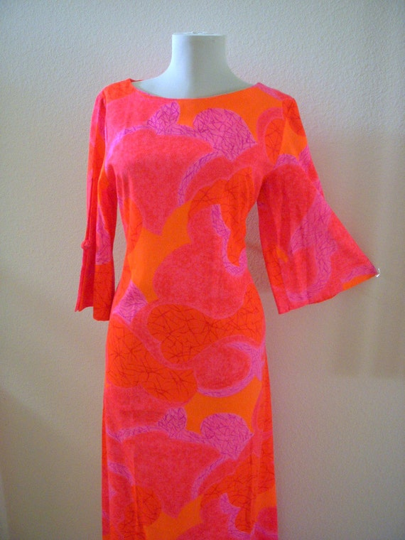 Vintage Hawaiian 70s Maxi Dress with Bell Sleeves Hot Pink Boho Dress Size Small to Medium estimated