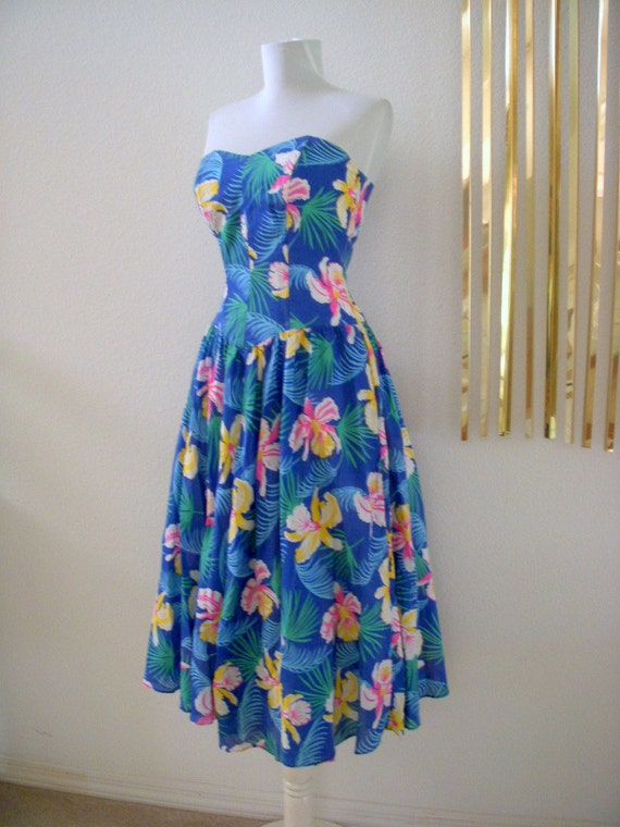 Vintage 80s Does 50s Blue Hawaiian Strapless Dress Sundress Size Small to X Small