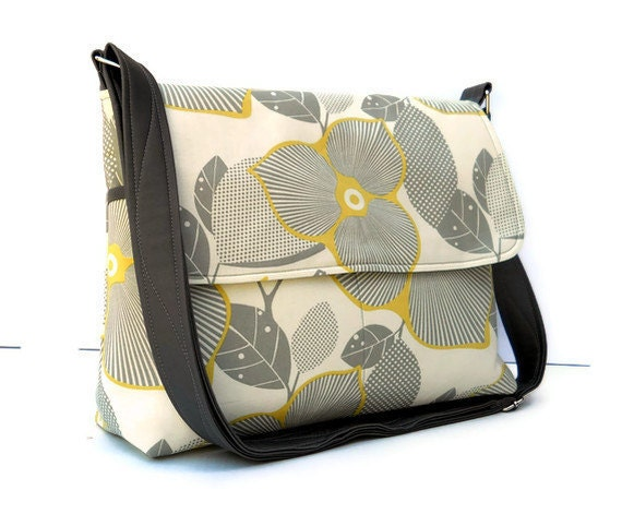 Messenger Bag Cross Body Bag - Amy Butler Optic Blossom - Larger with 8 Pockets