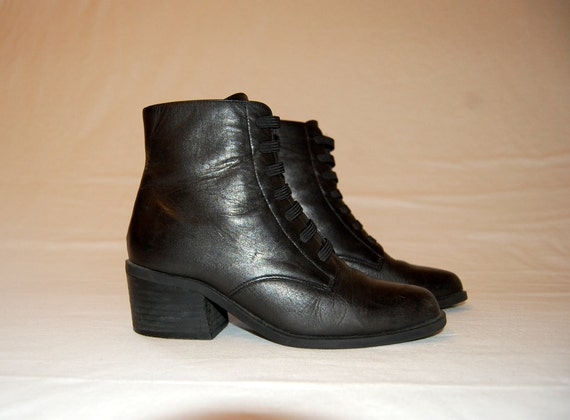 Vintage Leather and Elastic Lace Black Leather Ankle Boots Size 6