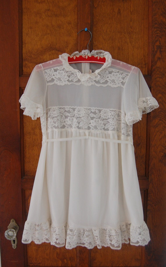 Vintage 40s Sheer White Lace Babydoll Nightgown Dress