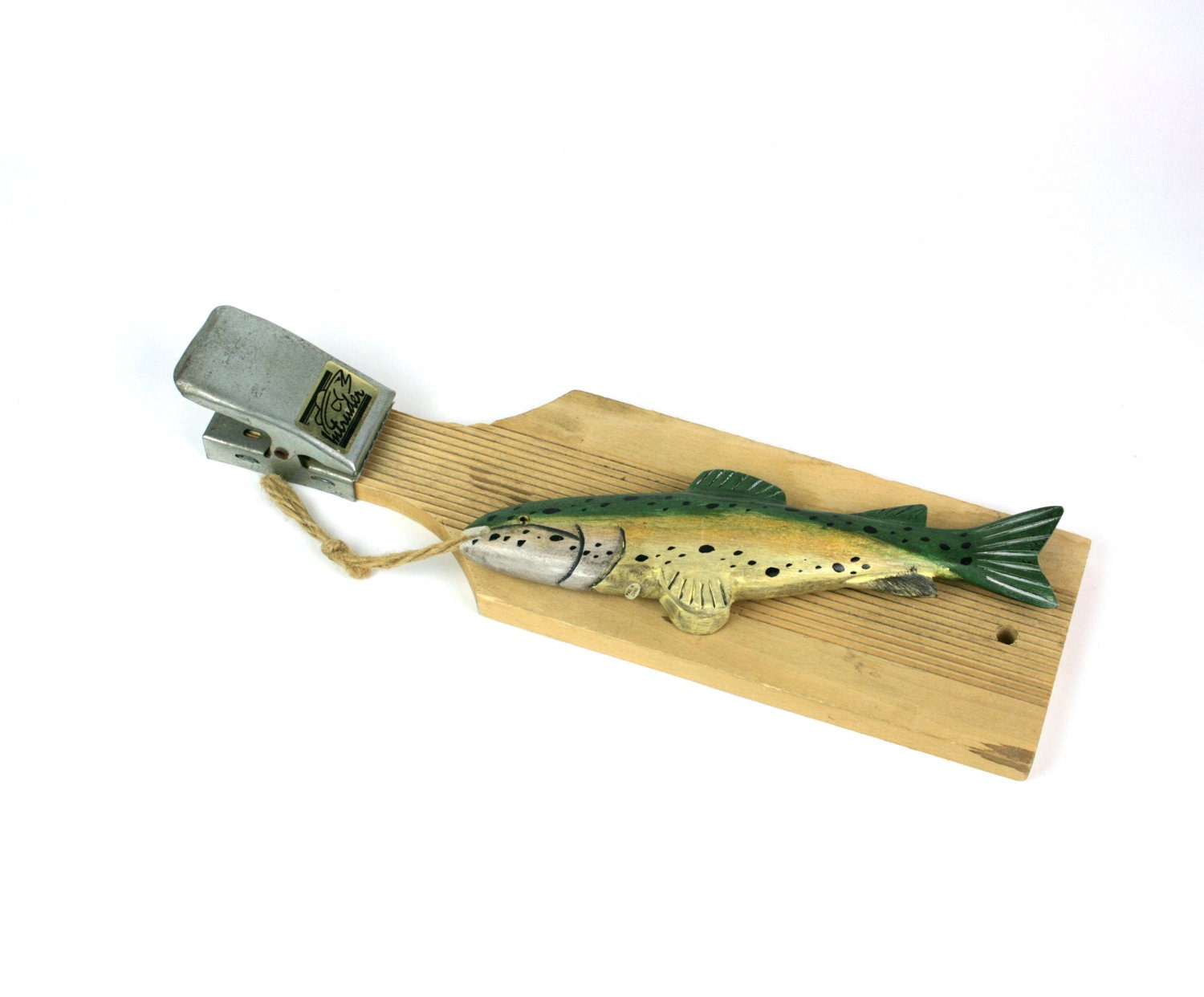 Vintage fish clamp wooden board cleaning fish for Fish cleaning board