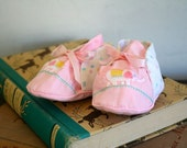 vintage baby booties - PINK ELEPHANT fabric shoes / 6-9M