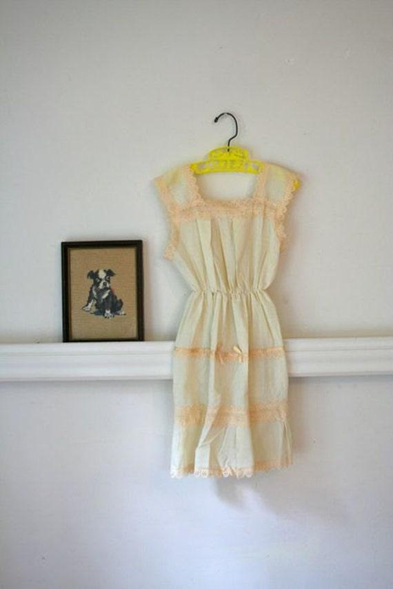 vintage girls BUTTER CREAM lace boho sundress 5T