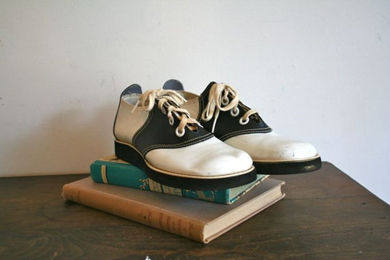 vintage 60s saddle shoes kinney blackampwhite oxfords sz 78