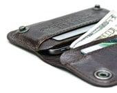 iPhone / iPod Touch - - RETRO - MODERN leather wallet sleeve - - BROWN