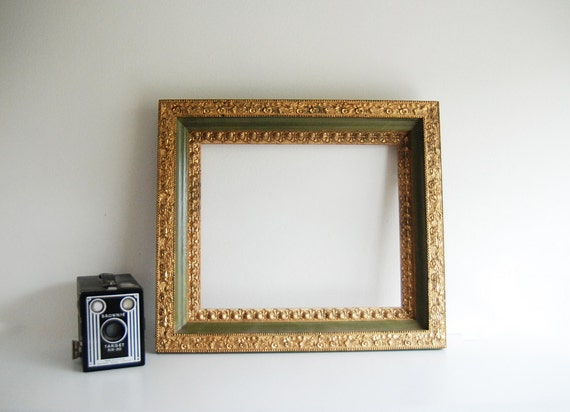 """Ornate Avocado Green and Gold Wood Picture Frame - Fits a 10""""x12"""" Picture"""