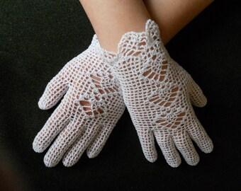 Bridal crochet gloves, white lace gloves, summer wedding accessories