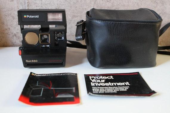 POLAROID camera SUN 660 autofocus vintage 80's with original MANUAL and camera bag