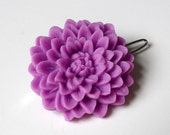 Large Chrysanthemum Barrette in Lilac Purple