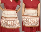 Austrian Dirndl Apron / Folkloric Embroidered Print / Beige and Salmon