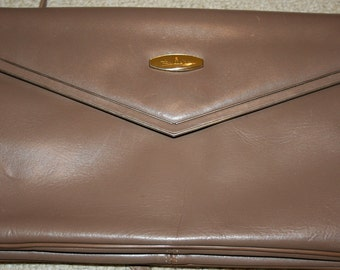 Vintage Aigner Taupe Leather Classic Clutch shoulder purse Handmade