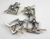 4 Tierracast Silver Square Toggle Sets