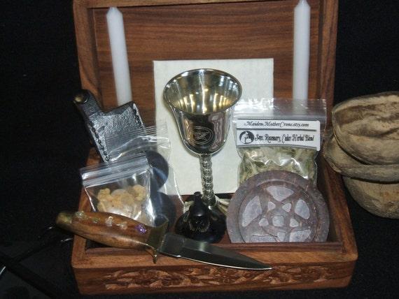 Wood Portable Basic Ritual Altar In A Box Kit Esbat Sabbats Ritual Wicca Pagan Ceremonies Spells Tools MaidenMotherCrone