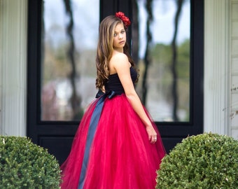 Flower Girl Dress for Wedding, Flower Girl Dress, Sewn Tutu, Chic Tutus, Tutu, red tutu