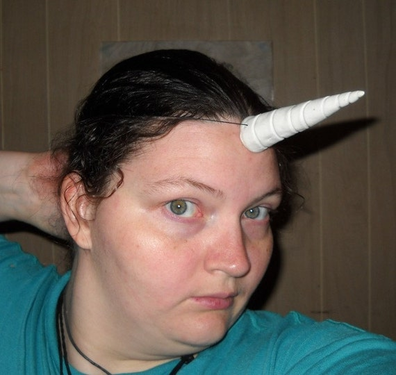 White Tie-on Unicorn Horn