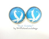 "O1080 Silver coloured vintage studs ""Blue Flowers"""