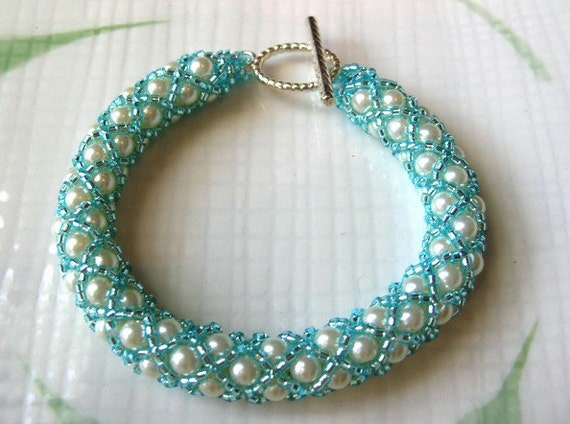 Blue and White Beaded Bracelet, Woven Beads in XOXO Rope Pattern