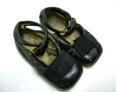 Reserved for Lynne - Sale - Vintage Childs Shoes With Bow