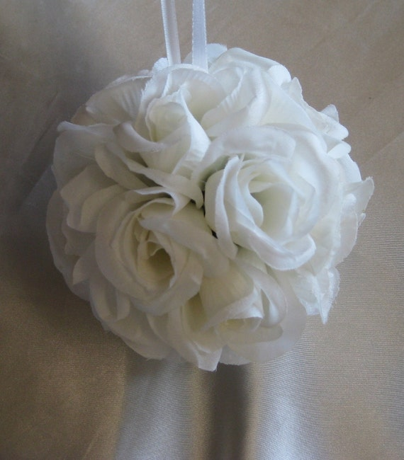 "CLEARANCE Bridal White Pomander 5"" Kissing Ball Wedding Decoration"