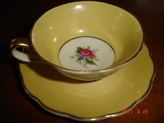 antique Royal Bayreuth, bavarian tea cup and saucer