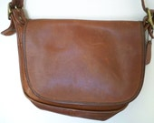 COACH vintage tanned cowhide vachetta leather solid brass large shoulder bag