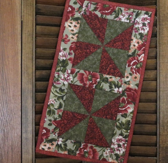 Winter Garden Quilted Table Runner Candle Mat Mug Rug
