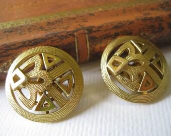 Vintage Crown Trifari Goldtone Metal Openwork Clip Earrings
