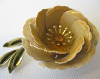 Vintage l960s Coro Plastic Flower Brooch
