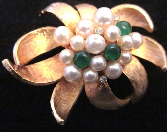 Vintage Gold Tone Brooch with Faux Pearls & Rhinestones