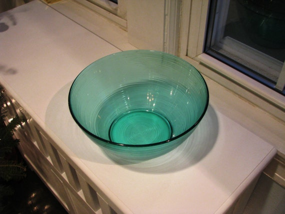 Arcoroc France Turquoise or Teal Blue Green Large Salad or Serving Bowl Swirl