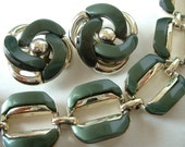 Beautiful Vintage Moss Green Thermoset Necklace & Earring Demi Parure