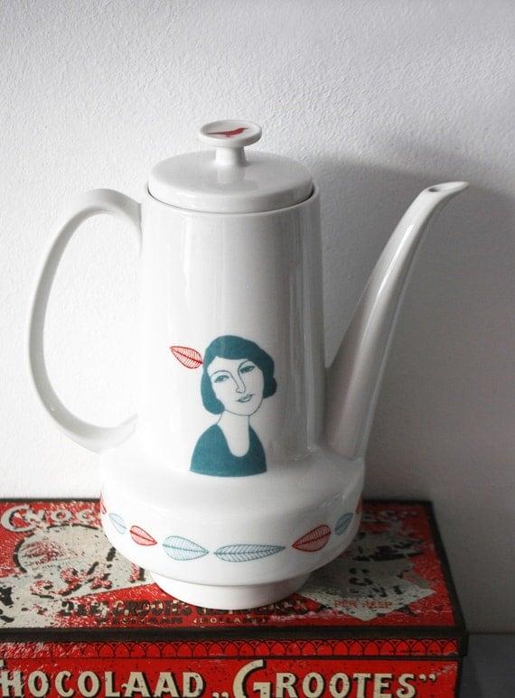 Redecorated teapot Madeleine duotone