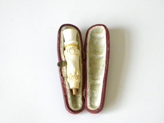 Very Vintage Cigarette Holder, Cigarillo Holder With Sarcophogus Case Ivory