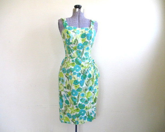 vintage 1950s 1960s floral sarong sun dress / size S / SUMMER in the GREEN