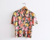 Vintage HAWAIIAN Floral Collared Button Up Blouse