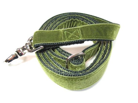 "6' Houndstown Moss Swiss Velvet Leash, Adjustable Handle, Lobster Claw Clasp, 1"" Width"