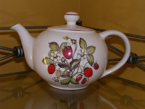 Strawberry Fields Tea Pot