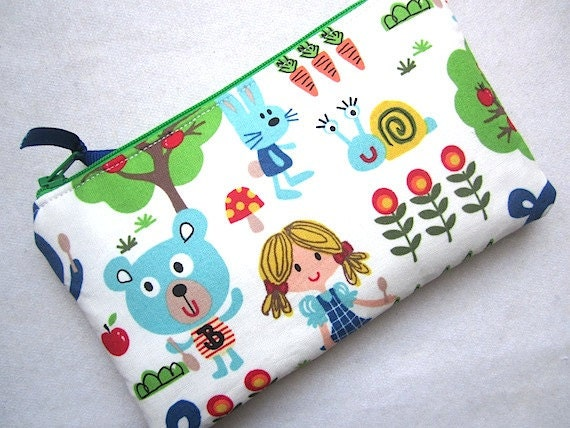 CYBER MONDAY Sale Padded Zip Pouch Purse Gadget coin case- Goldilocks & 3 Bears  - white green