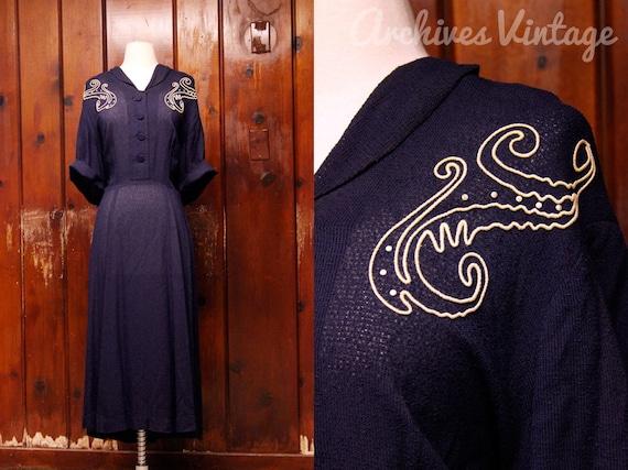 1940s dress / plus size dress / navy blue w embroidery / 40s dress XXL