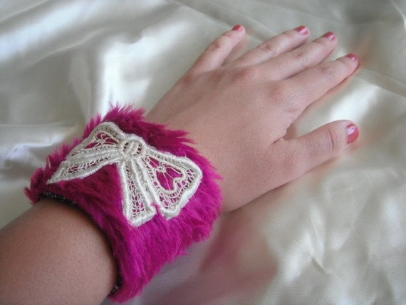 Sale---- 50% OFF-----Was 15 usd NOW only 7.50 usd Pink fun fur / felt VERONIKA girl cuff with white lace bow