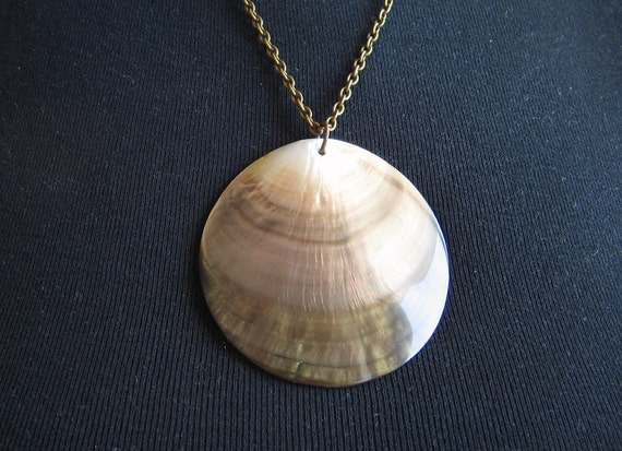 Sale---Was 18usd now 12 usd Big natural MOTHER of PEARL Shell Necklace